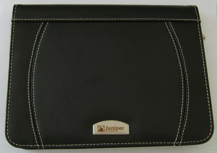 a5-zip-around-folder-with-metal-plaque3